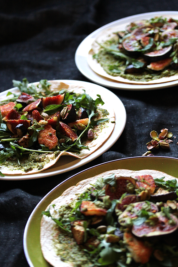 Halloumi wraps with figs